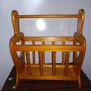 VTG/MCM Magazine Rack Wood with handle beautiful